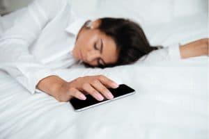 Trouver le sommeil après téléphone