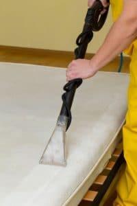 Nettoyer le matelas pour sa longévité