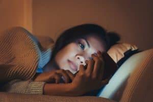Lumière bleue téléphone et sommeil