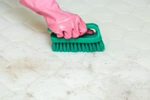 Enlever les moisissures de matelas